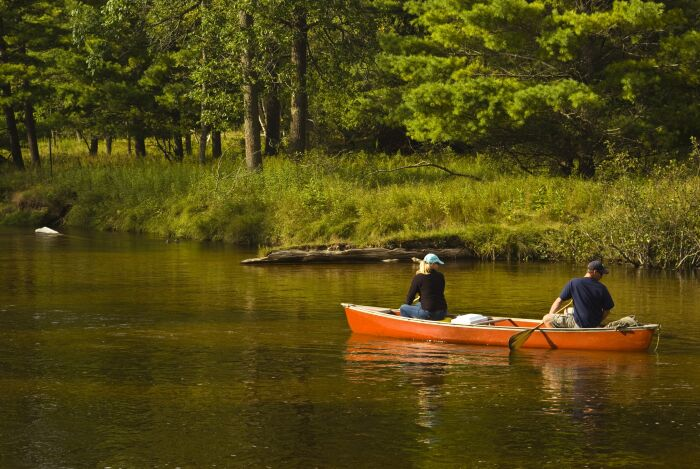 adventure-boat-canoe-couple-275636.jpg