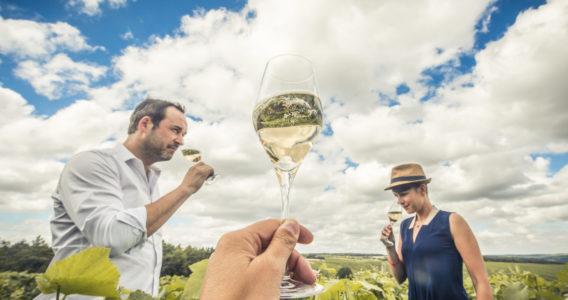 Dégustation dans les vignes - crédit Le Bonheur des gens 2