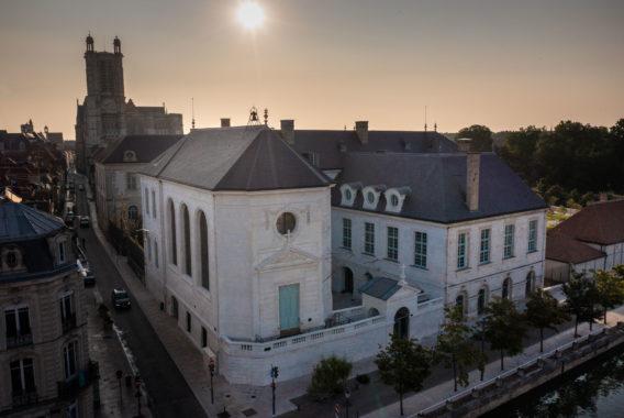 Hôtel-Dieu-le-Comte future Cité du Vitrail © Studio OG