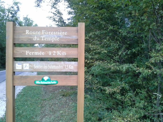 Panneau accés rando des templiers