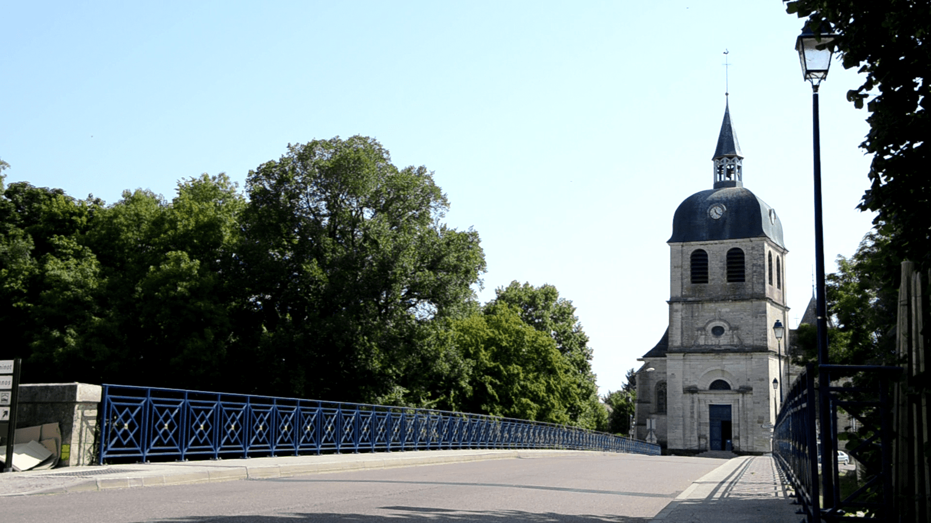 Le pont de Dienville, passant au-dessus de l'Aube