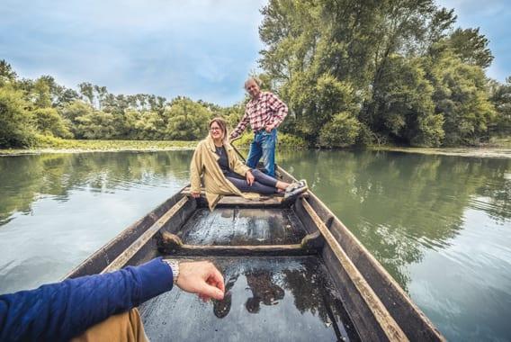 Balade-naturaliste-en-barque-traditionnelle---credit-le-Bonheur-des-Gens