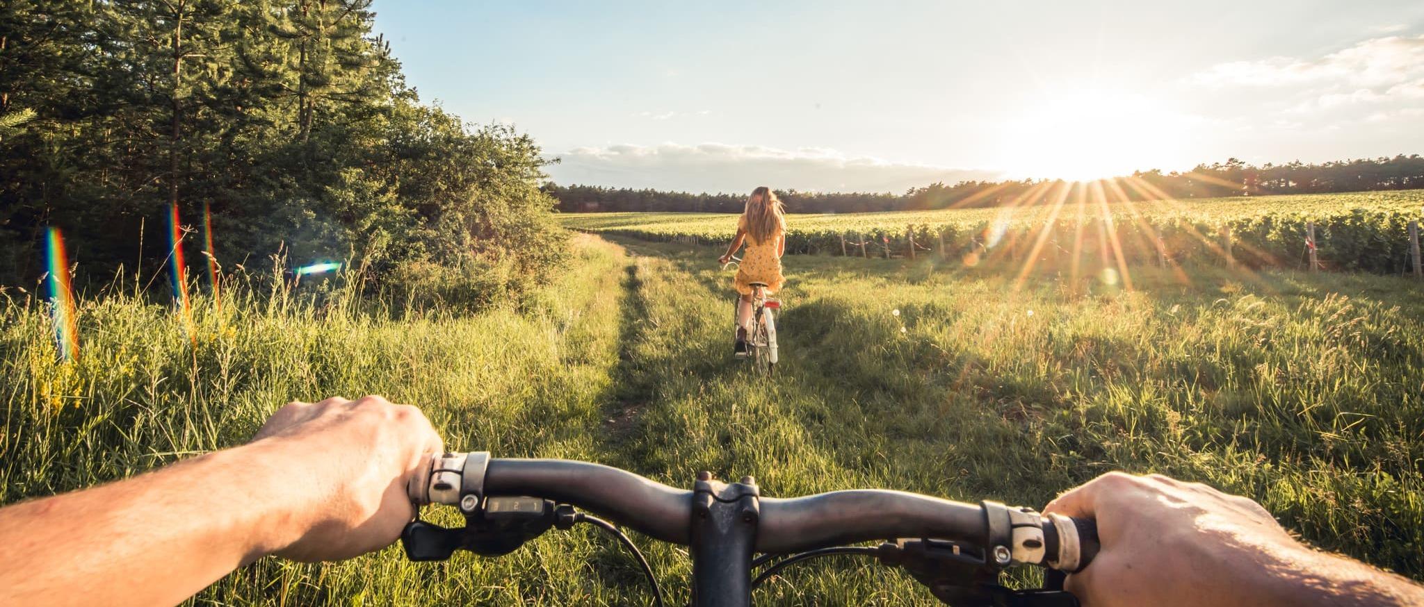 Vélo dans les vignes - crédit Le Bonheur des gens (1)