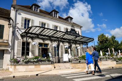 Nogent-sur-Seine_-_Cafe_de_Bellevue_-_Credit_photo_Olivier_Douard_23