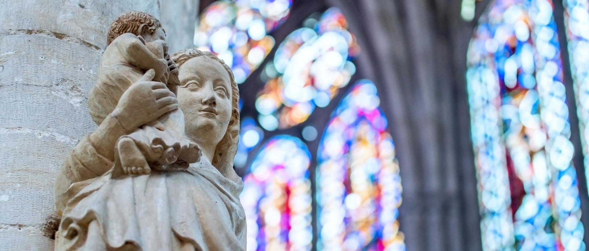 Cathédrale-Saint-Pierre-Saint-Paul-credit-BC-images